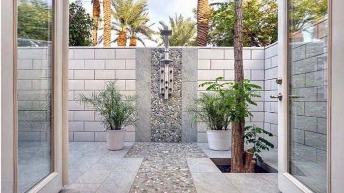 10 Outdoor Shower Ideas for Summer 1