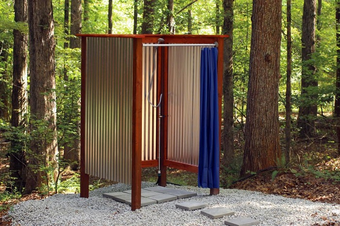 10 Outdoor Shower Ideas for Summer 2