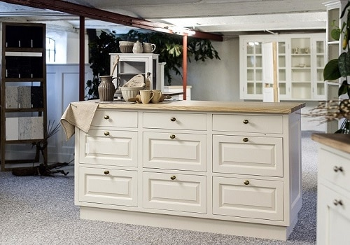 How to Become a Successful Cabinet Makers? 2